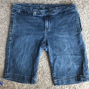 KUT from the Cloth Bermuda Short Size 8